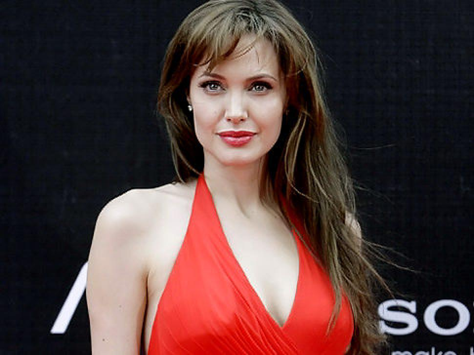 Angelina Jolie Richest Actresses in World 2016