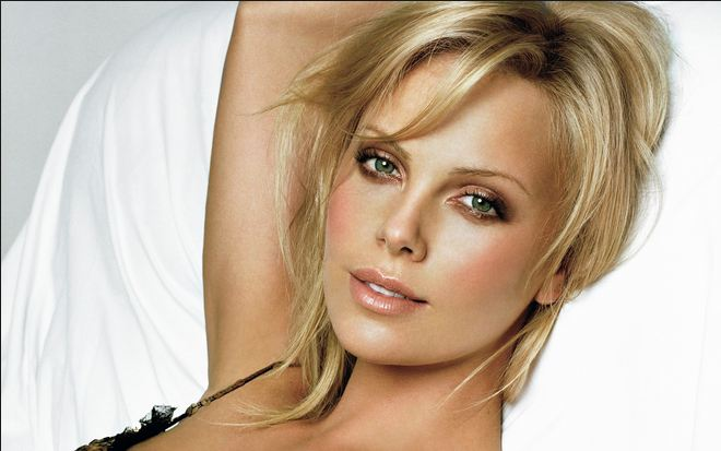 Charlize Theron Hottest Hollywood Actresses 2017