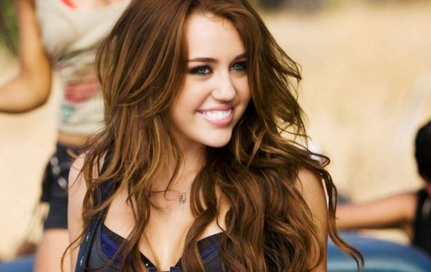 Miley Cyrus Richest Celebrities Under 30 2018