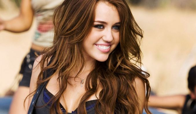 Miley Cyrus Richest Singers Under 30 2016
