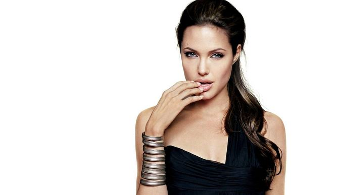 Angelina Jolie Hottest And Sexiest Celebrities 2017