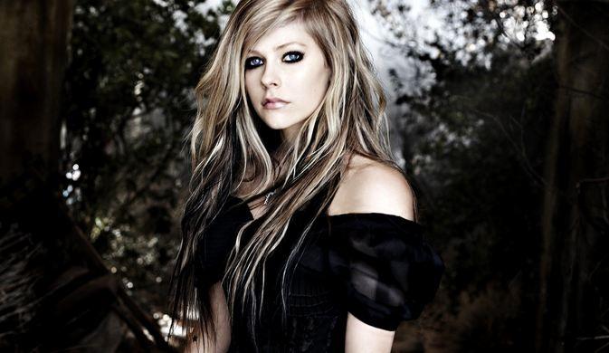 Avril Lavigne, Most Beautiful Female Singers 2016