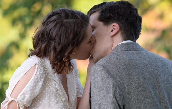 Kristen Stewart and Jesse Eisenberg, Sexiest Kissing Scenes 2018