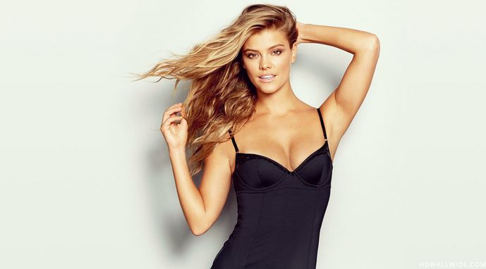 Nina Agdal Hottest And Sexiest Models 2017
