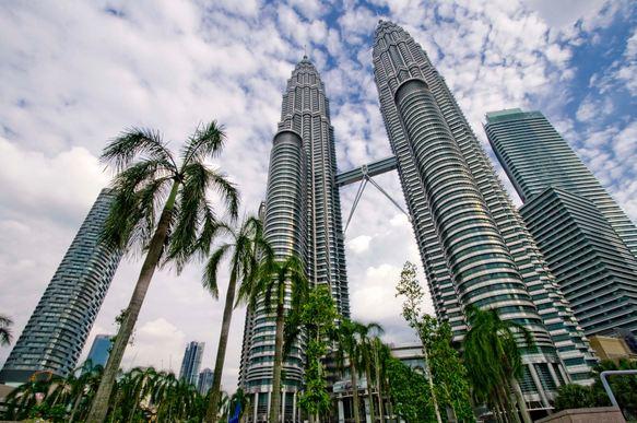 Petronas Towers, Malaysia, World's Most Beautiful Buildings 2017