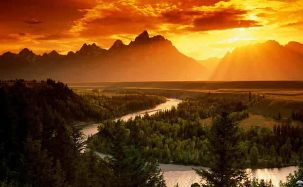 Yellowstone, Most Beautiful Places To Visit in The United States 2017