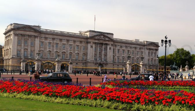 Buckingham Palace Top Most Popular Expensive Houses in The World 2019