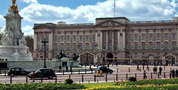Buckingham Palace, most popular expensive villas in the world 2018