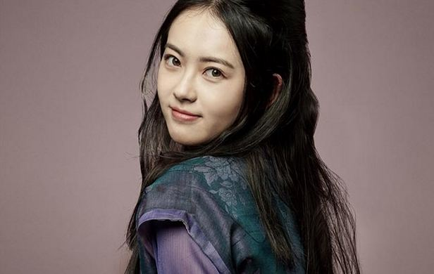 Go Ara, Most Popular Hottest Korean Models 2016
