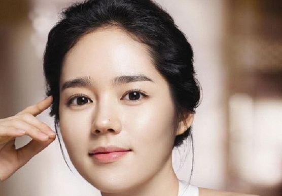 Han Ga In, Most Popular Hottest Korean Female Celebrities 2016