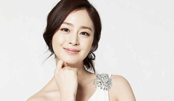Kim Tae Hee, Most Popular Hottest Korean Female Celebrities 2017