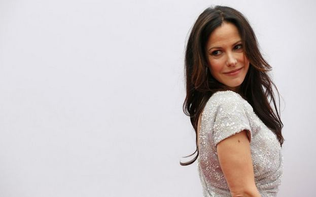 Mary-Louise Parker, World's Most Popular Sexiest Older Actresses 2017