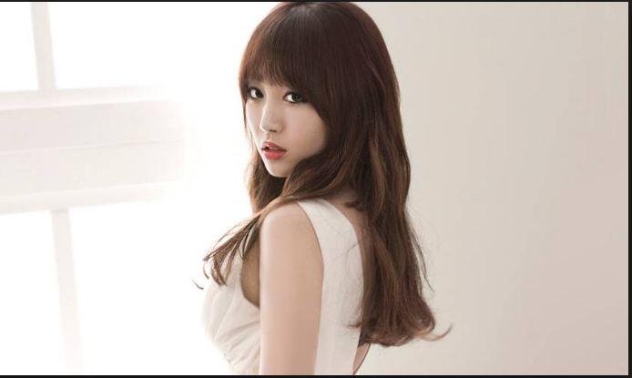 Yura Kim Ah Young, Most Beautiful Hottest Kpop Idols 2018