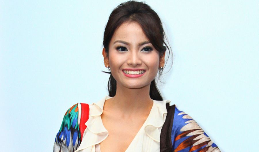 acha-septriasa-top-10-best-indonesian-actresses-2017