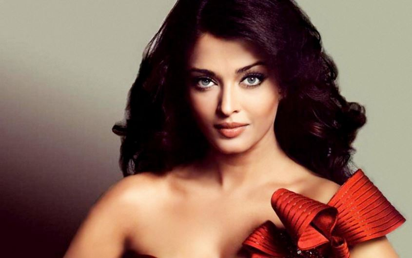aishwarya-rai-top-most-favorite-perfume-brands-of-bollywood-actresses-2017