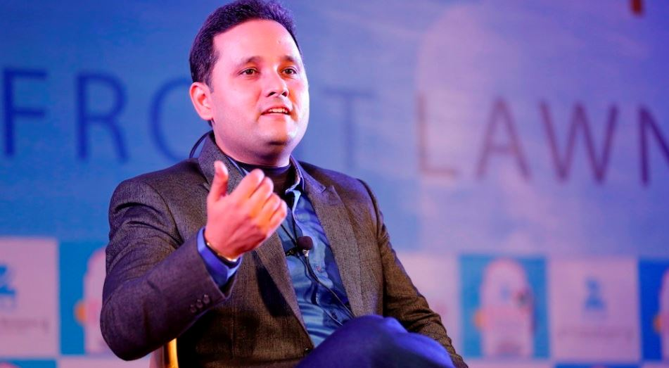 amish-tripathi-top-10-most-handsome-writers-2017
