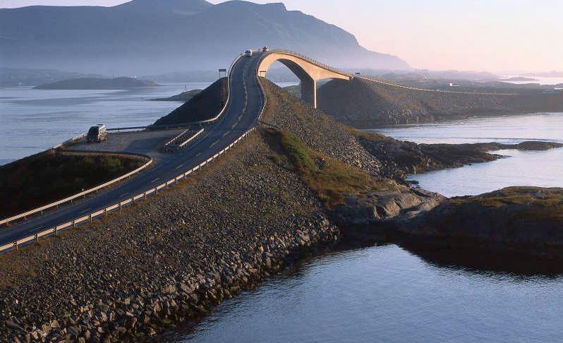 atlantic-road-norway-top-popular-amazing-roads-in-the-world-2017