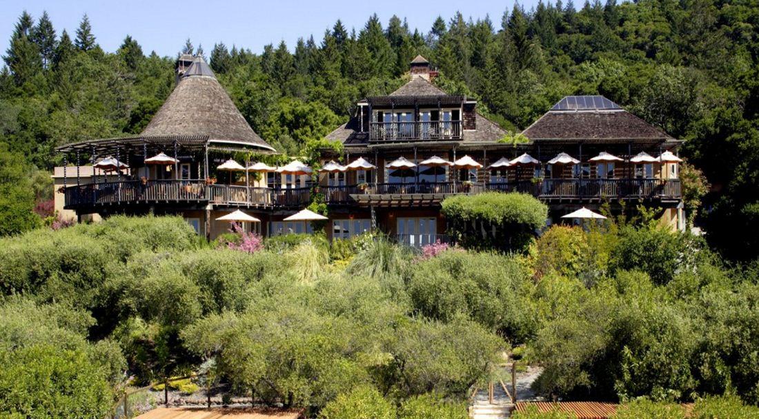 auberge-du-soleil-in-the-napa-valley-top-ten-most-luxurious-hotels-in-america-2017