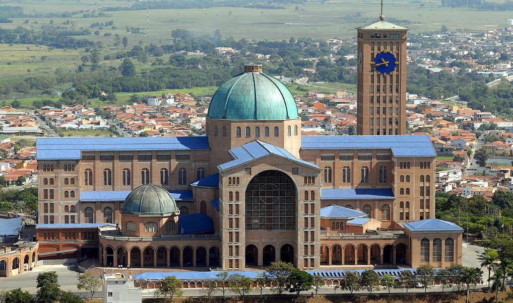 basilica-of-the-national-shrine-of-our-lady-of-aparecida-top-most-popular-largest-churches-in-the-world-2017
