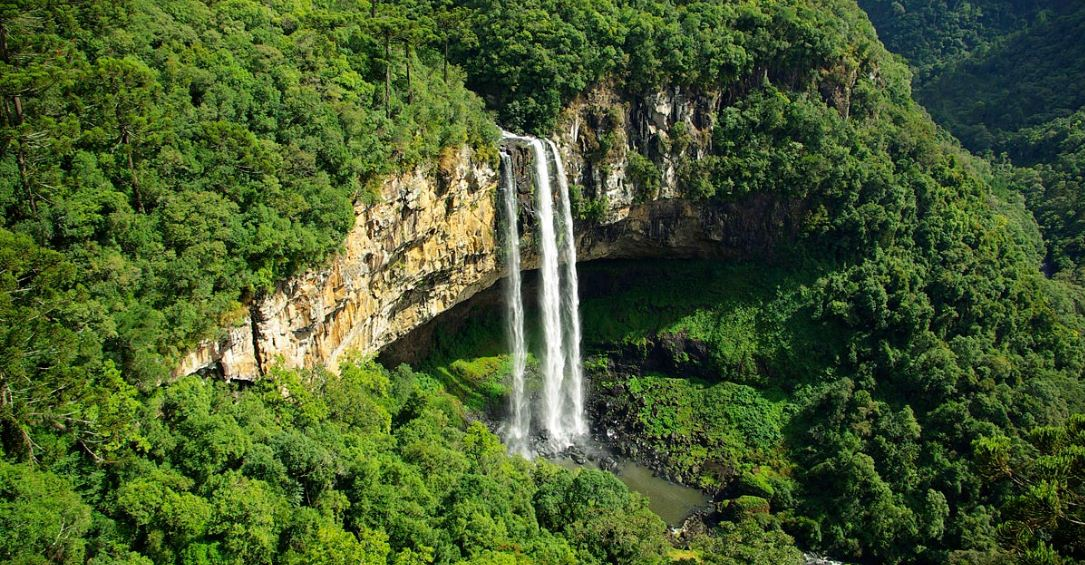 brazil-cascate-do-caracol-waterfalls-top-popular-beautiful-waterfalls-in-the-world-2017