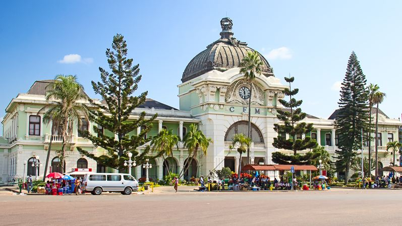 cfm-railway-station-maputo-top-most-popular-amazing-railway-stations-in-the-world-2018