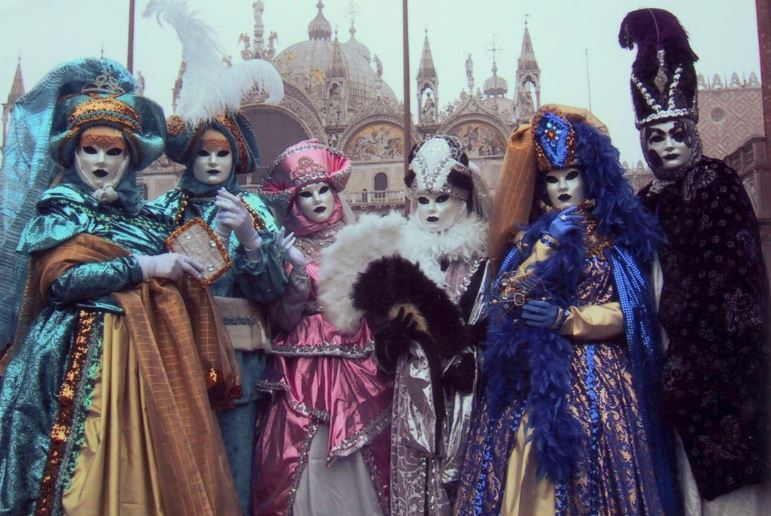 carnival-of-venice-italy-top-amazing-festivals-in-the-world-2019