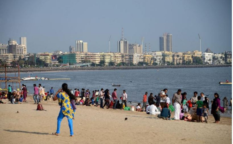 Chowpatty Beach, India Top 10 Most Dangerous Beaches in The World 2017