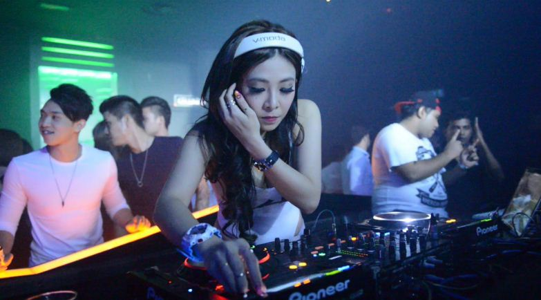 dj-alexis-grace-malaysia-top-10-sexiest-and-hottest-asian-female-djs-2017