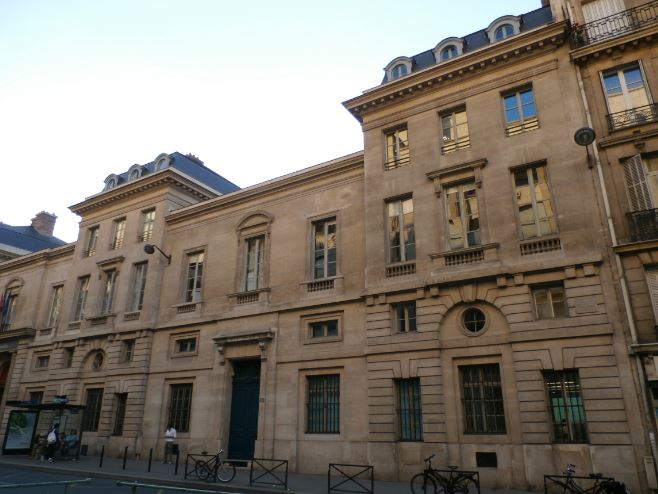 ecole-des-ponts-paristech-top-10-best-universities-in-paris-2017