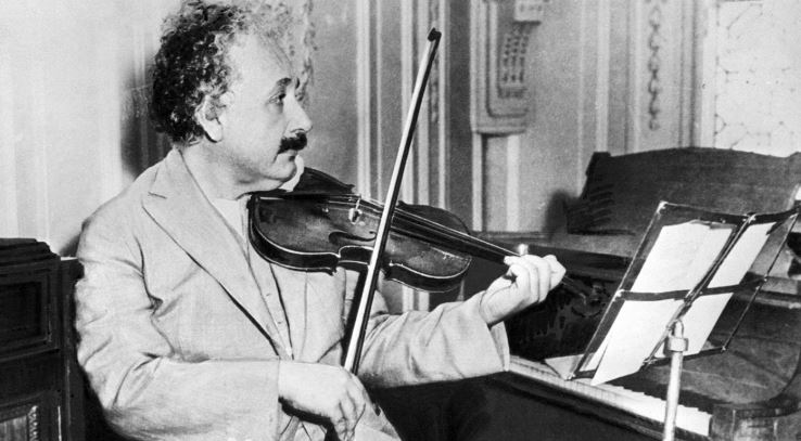 einstein-had-a-large-head-top-famous-surprising-facts-about-albert-einstein-2019