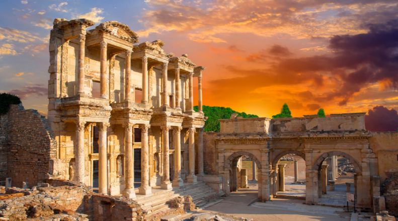 ephesus-top-most-popular-beautiful-place-to-visit-in-turkey-2018