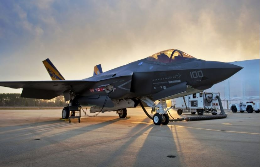 f35-lightning 2-top-popular-expensive-military-airplanes-2019