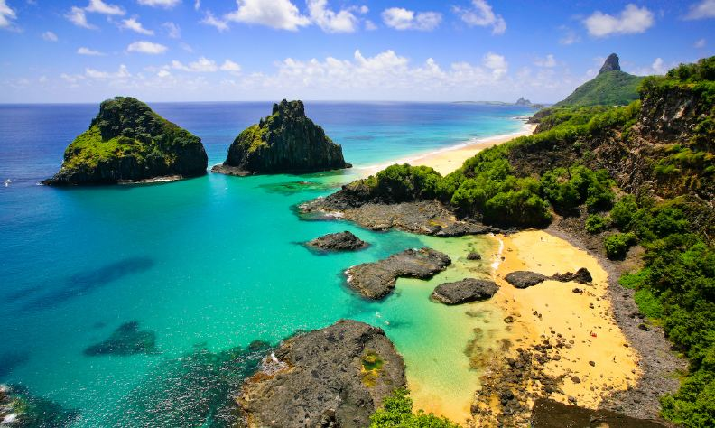 fernando-de-noronha-top-famous-tourist-attractions-in-brazil-2019