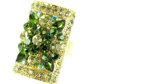 green-on-gold-plated-flower-ring-top-bollywood-style-rings