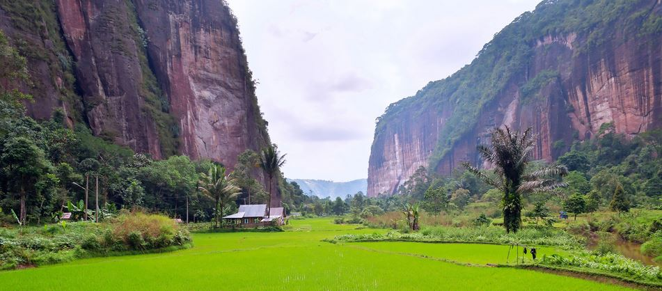 harau-valley-top-famous-beautiful-valleys-in-the-world-2018