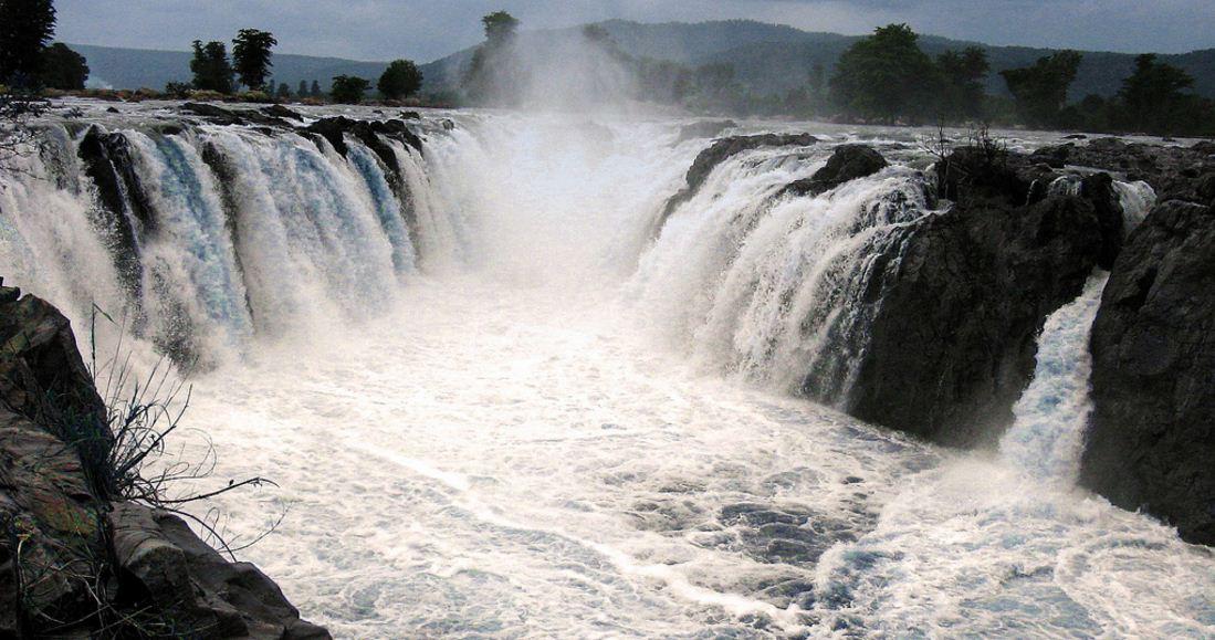 Hogenakkal, Tamil Nadu in India, Top 10 Most Beautiful Waterfalls in The World 2019