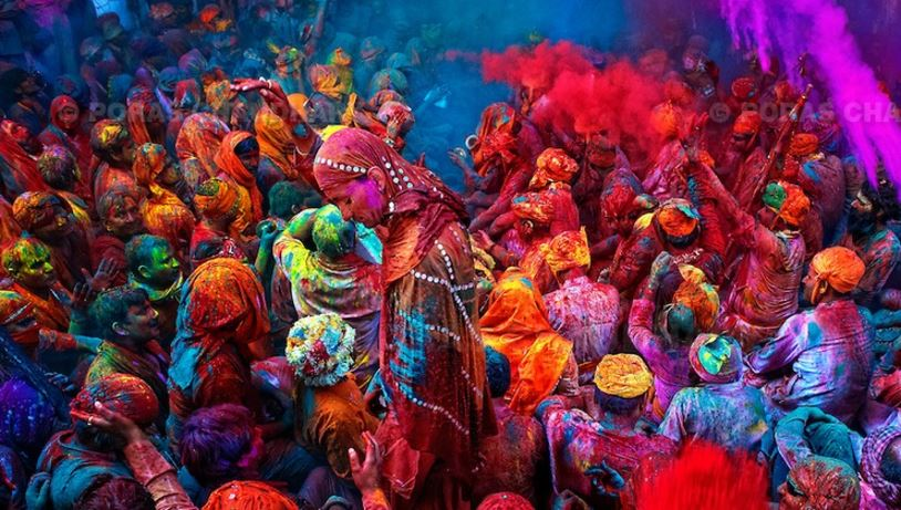 holi-the-celebration-of-hues-india-top-most-famous-amazing-festivals-in-the-world-2017