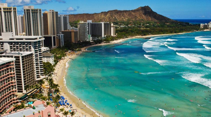 honolulu-oahu-top-10-most-beautiful-beaches-in-america