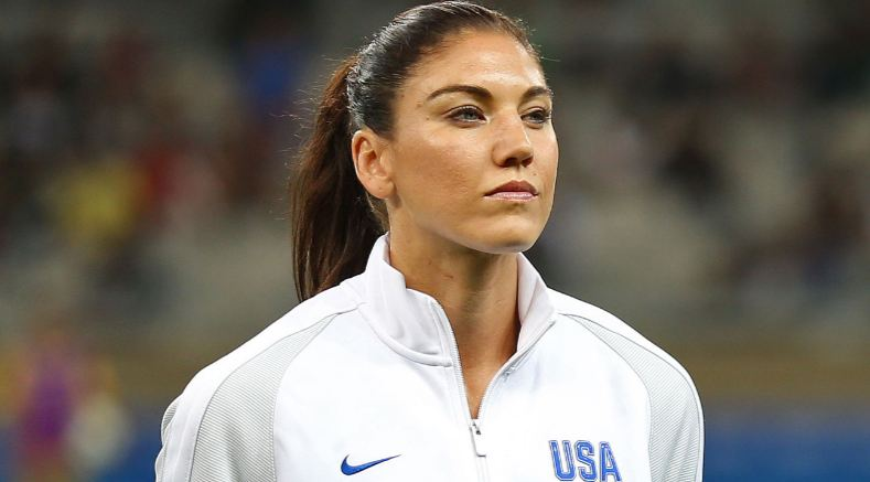 hope-solo-usa-top-popular-beautiful-soccer-players-in-the-world-2017
