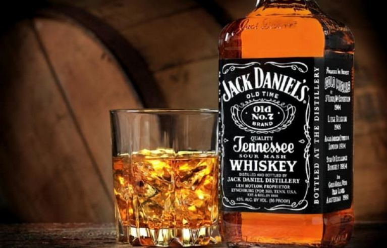 jack-daniels-whiskey-top-10-best-selling-alcoholic-drinks-in-the-world