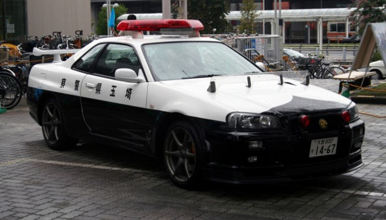 japan-nissan-skyline-gtr-top-famous-police-cars-in-the-world-2019