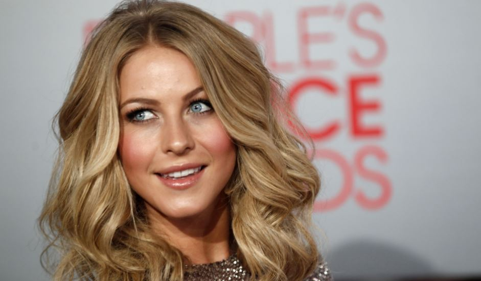 julianne-hough-top-most-sexiest-actresses-in-the-world-2019