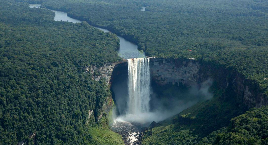kaieteur-falls-top-10-greatest-and-highest-waterfalls-in-the-world