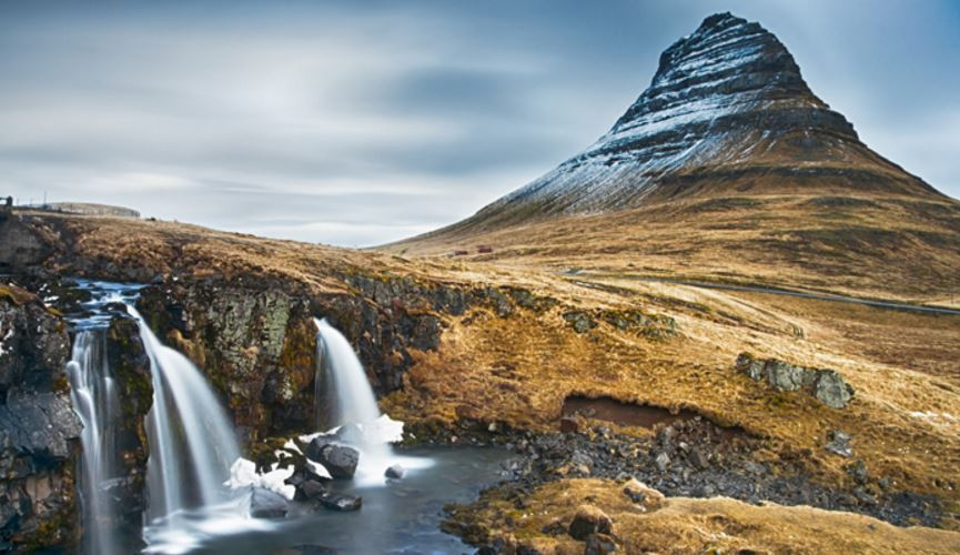 kirkjufell-iceland-top-most-popular-very-beautiful-mountains-in-the-world-2018