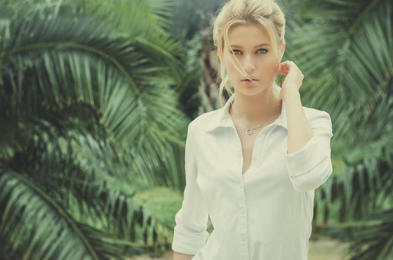 laetizia penmellen, Top 10 Most Beautiful Hottest French Women 2017