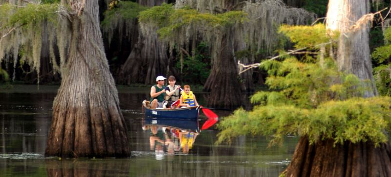 lake-caddo-top-10-most-amazing-lakes-in-usa-2017