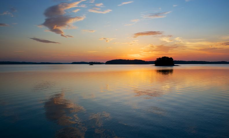 lake lanier, Top 10 Most Amazing Lakes in USA For Summer Vacations 2018
