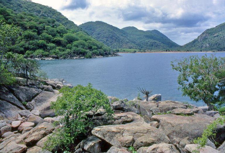 lake-nyasa-malawi