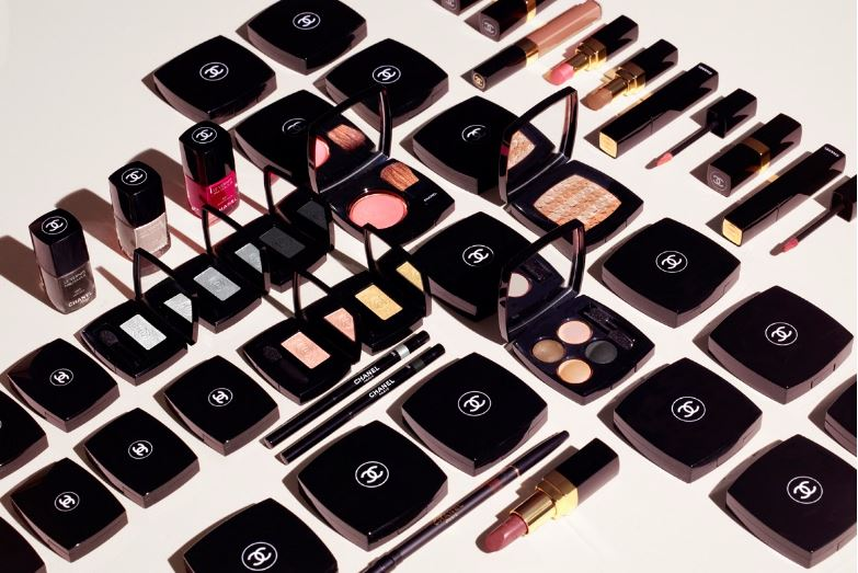 lakes, Top 10 Best Selling Cosmetic Brands in The World 2017