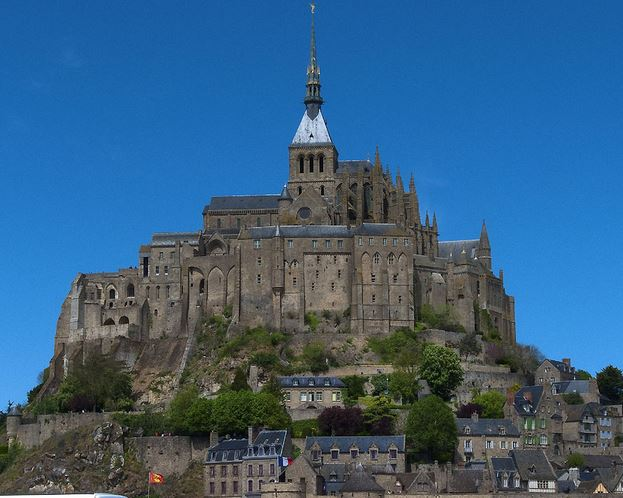 mont-saint-michel-top-best-most-famous-historical-places-in-france